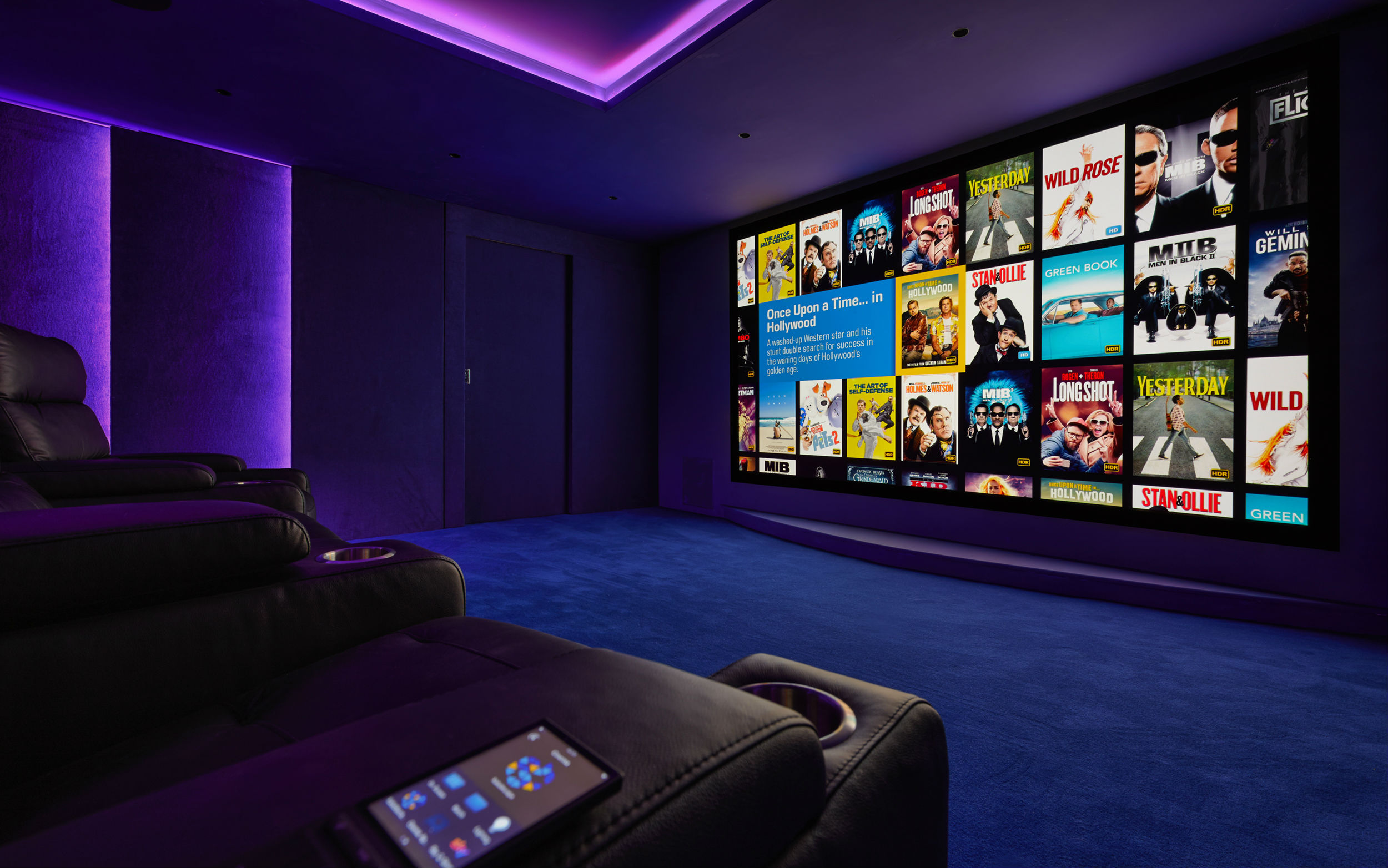 Smart home entertainment - home cinema with automated lighting